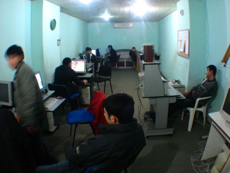An Internet cafe in Baku, Azerbaijan, Robert Thomson/Flickr