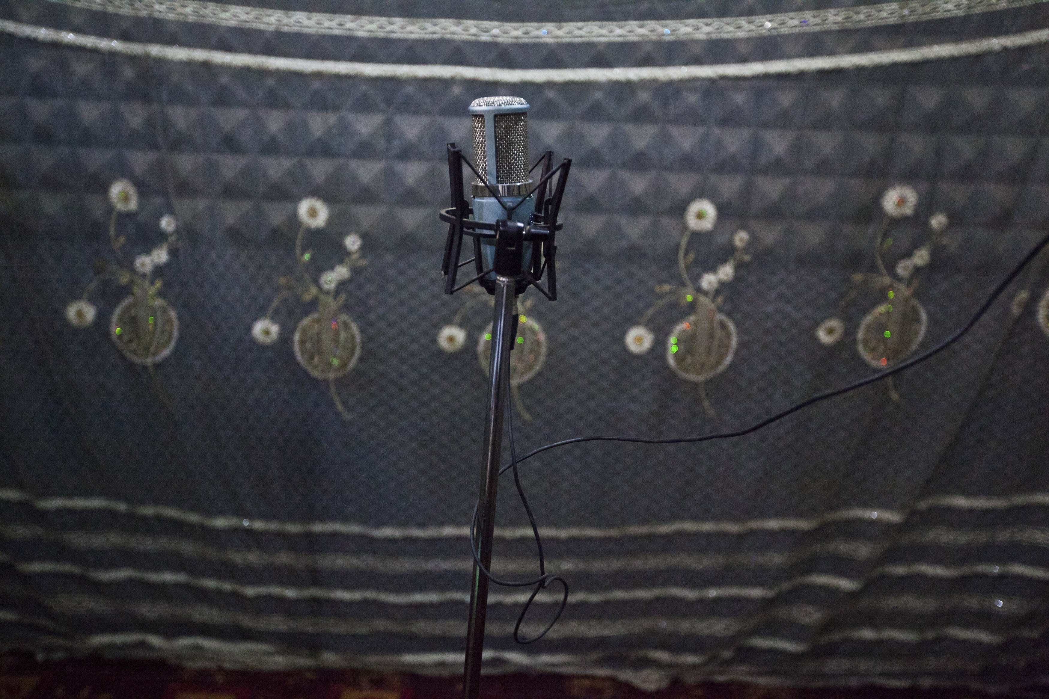 A microphone is seen inside Bakhita Radio station in Juba, 28 May 2012, REUTERS/Adriane Ohanesian